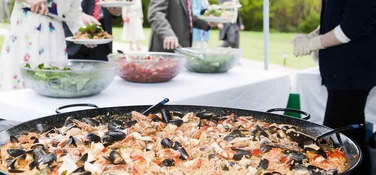 how to find wedding caterers