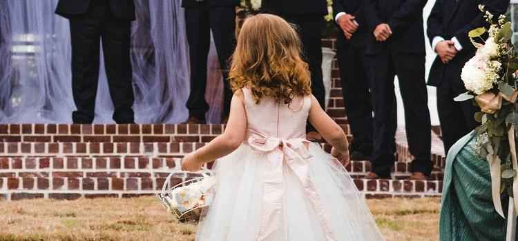 how to have a child-friendly wedding